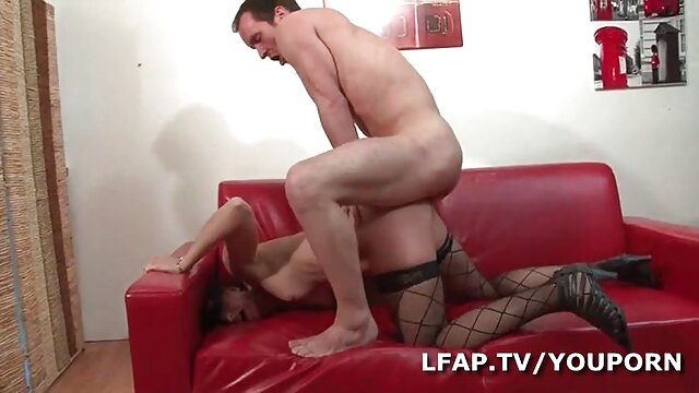Carol vidio panas sek Penelope ass, payudara besar menampar keras