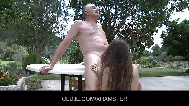 Crosssdresser seks yang panas petualangan hd Sinclair